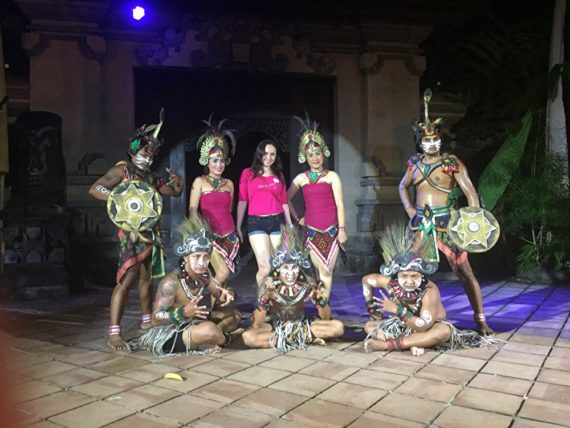 Шоу в зоопарке на Бали